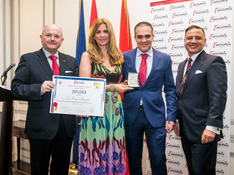 De Hoyos Abogados Premiado con la Estrella de Oro del IEP